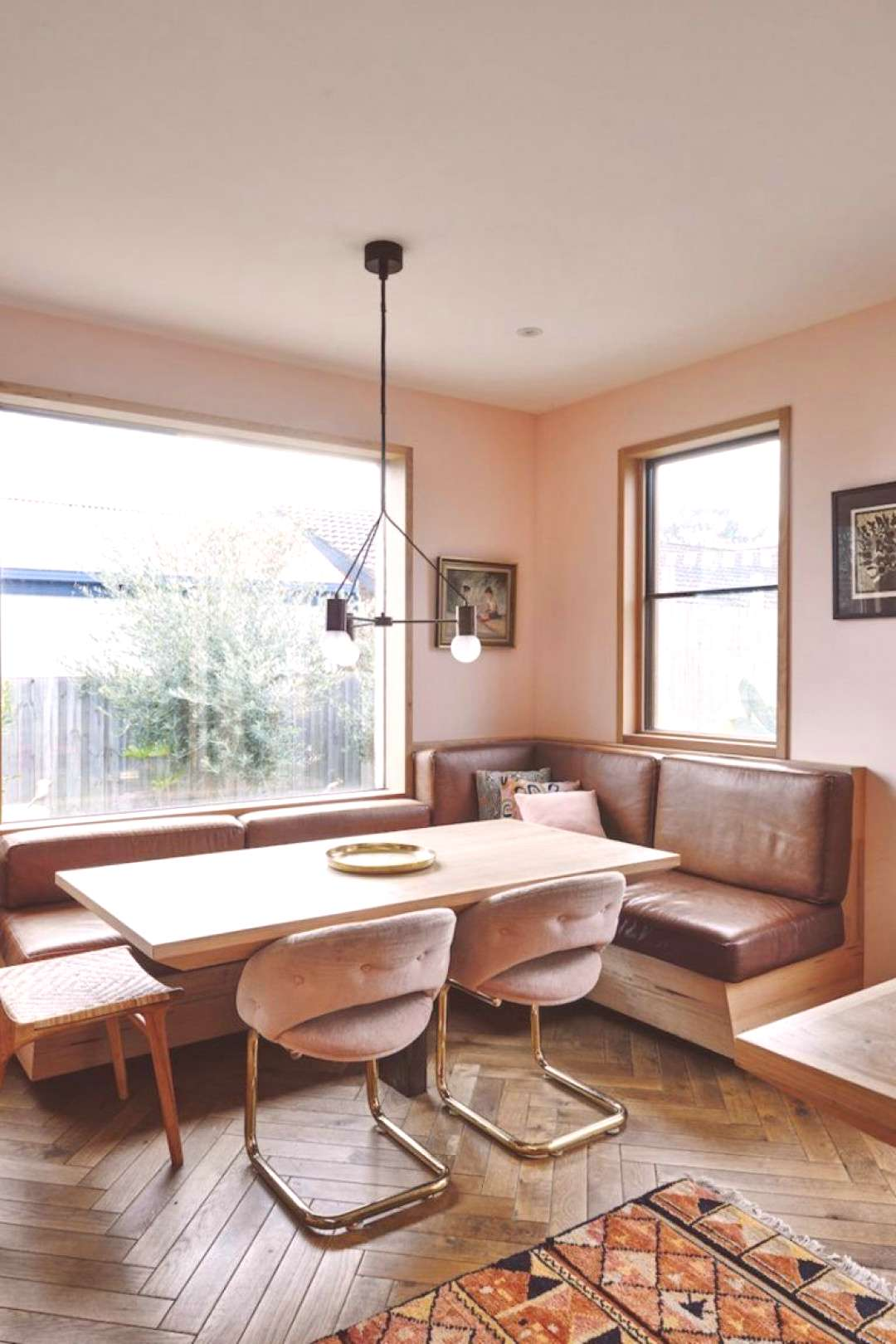10 Breakfast Nooks You'll Want to Curl Up In and Never Leave#breakfast