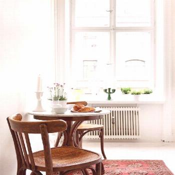 12 Bistro Table Breakfast Nooks Where We'd Love to Have Our Morning Coffee#bistro