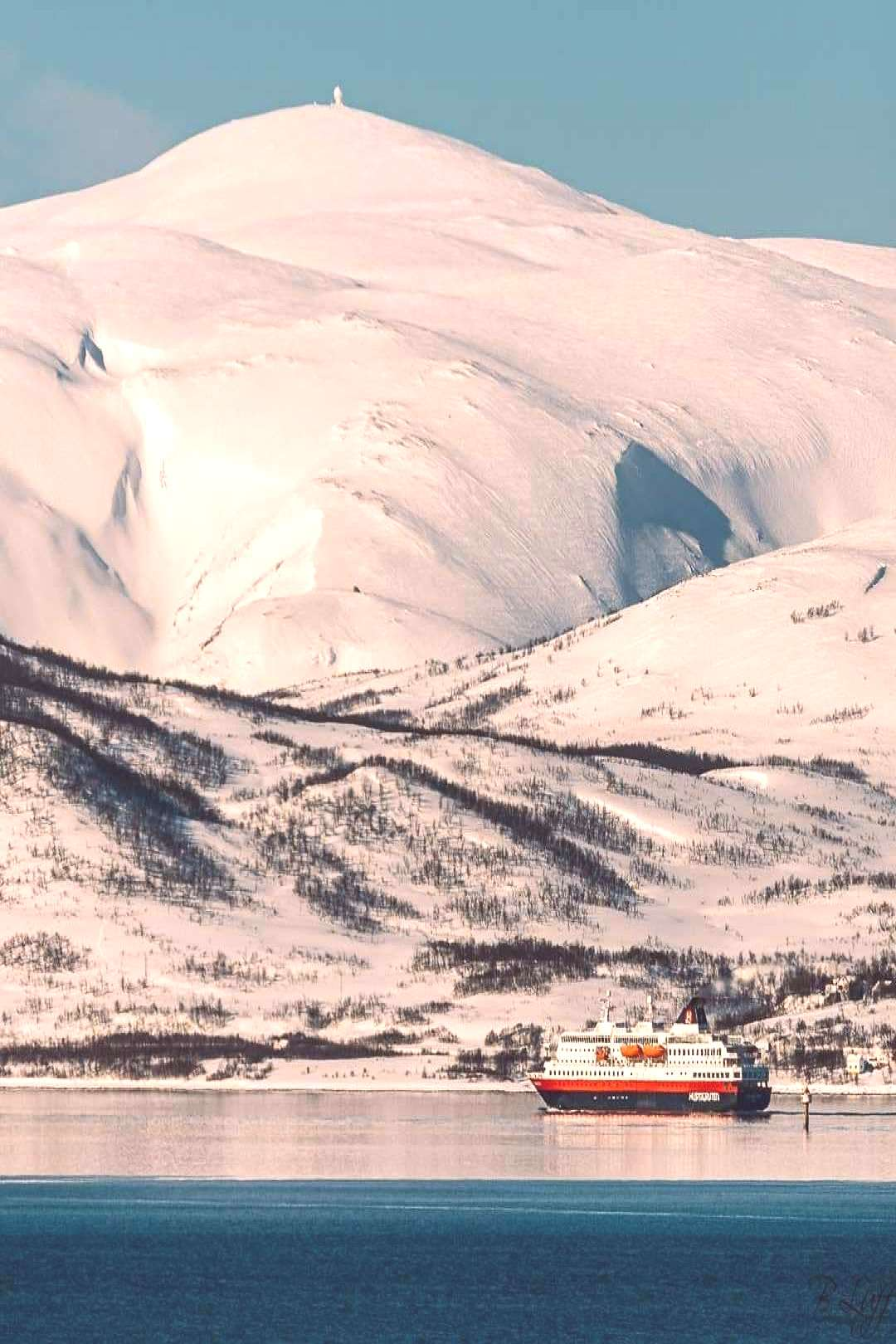 Finally the sun paid a visit again in arctic Norway Right when the Hurtigruten the traditional Nor